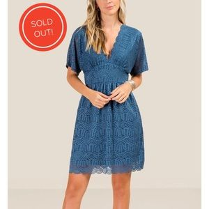 TORI LACE SHIFT DRESS